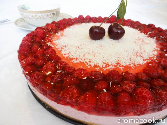 Торт со свежей малиной без выпечки